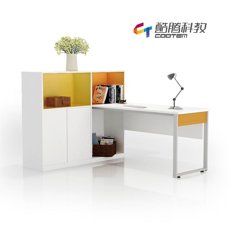 心理咨询室——办公桌